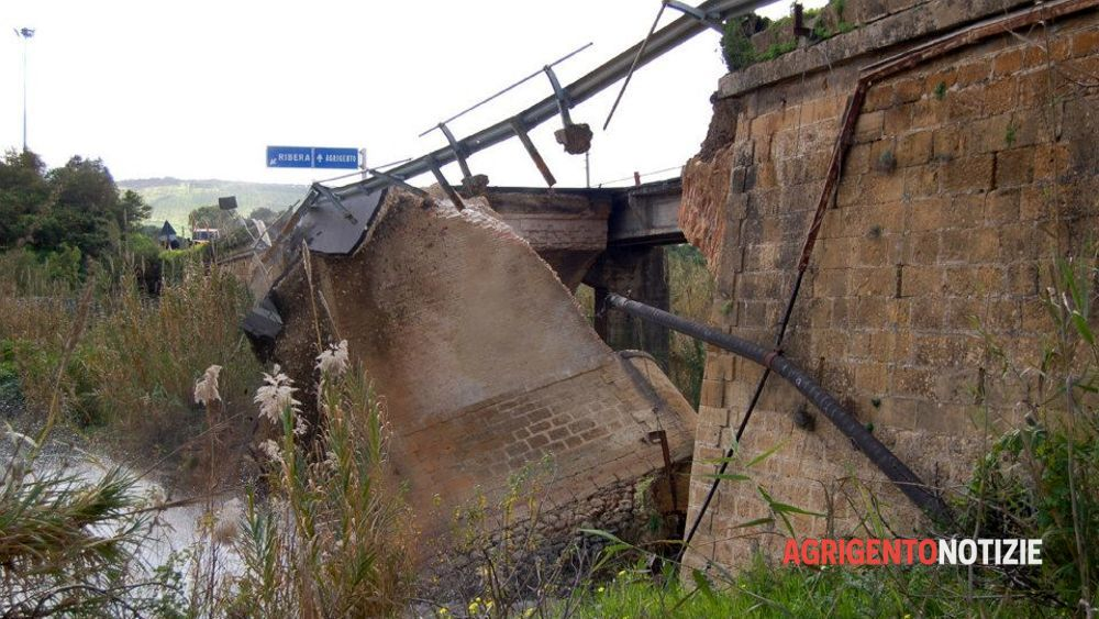 Anas ribera via alla ricostruzione del viadotto sul for Cabine sul bordo del fiume