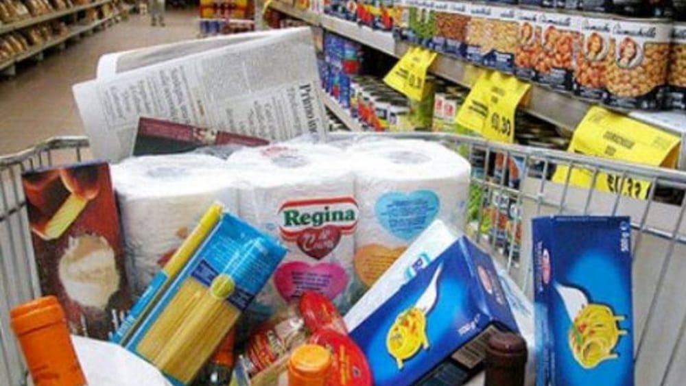 Famiglie in difficoltà, buoni spesa ancora in distribuzione: ecco come fare