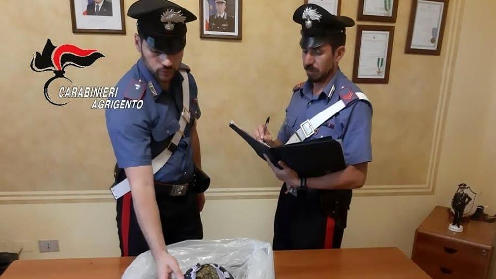 Beccato con più di un chilo di marijuana, avrebbe fruttato 13mila euro: 23enne arrestato