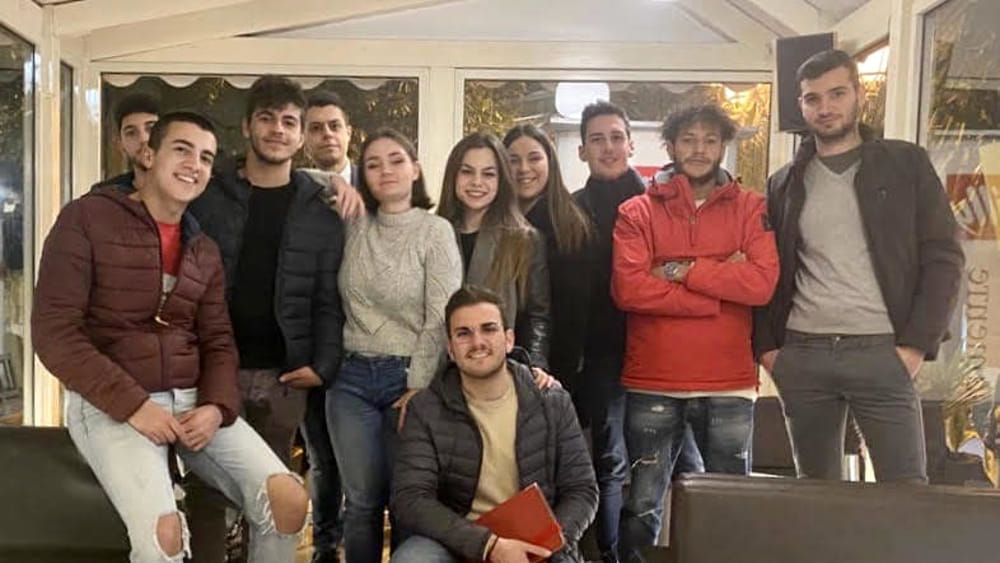 Mazzette per entrare nelle forze dell'ordine, i giovani di Italia Viva: